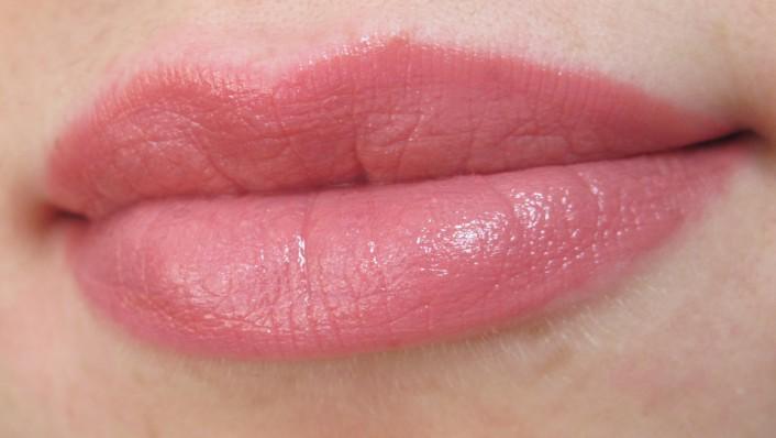 Помада Volume Lipstick #100 от Pupa