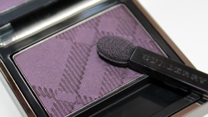 Тени Недели: Burberry Midnight Plum #19 Sheer Eyeshadow